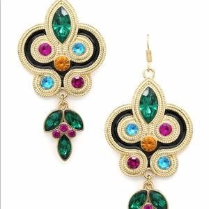 Jewelry - Color my ears earrings